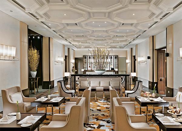 酒店餐桌椅